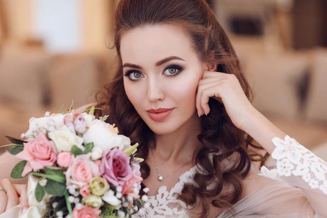 Анастасия Костенко показала грудь нафото сребенком