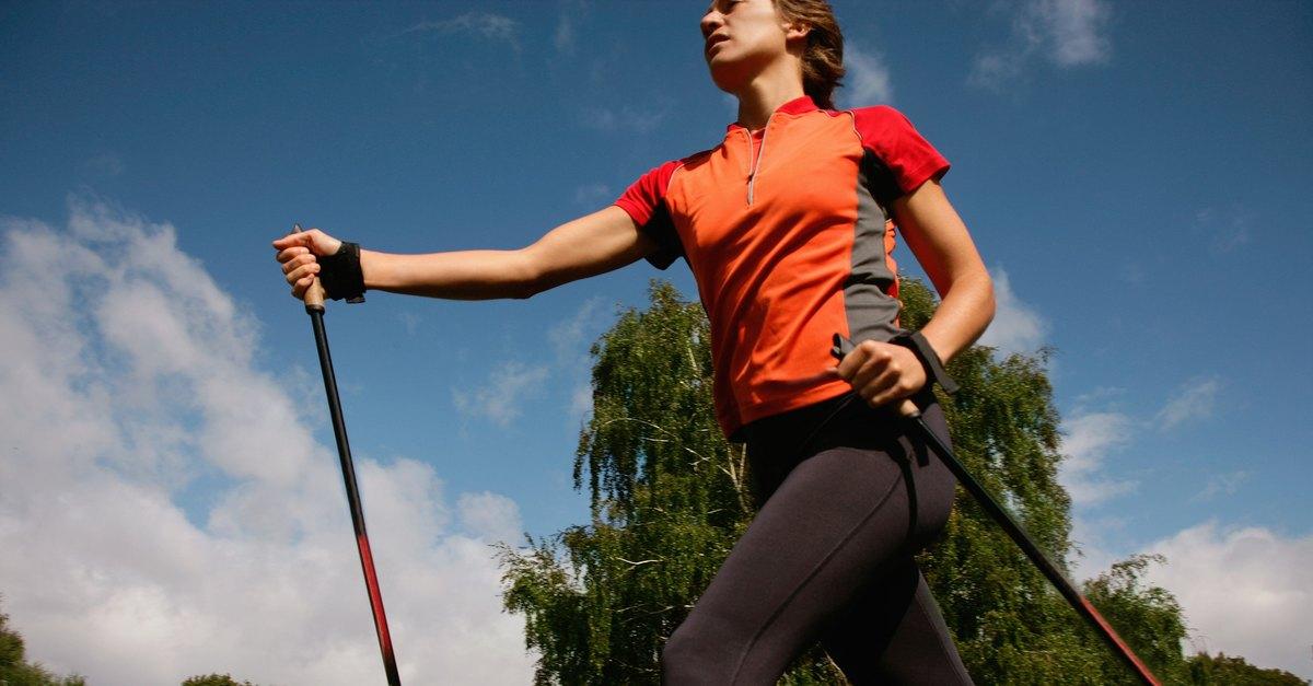 Для чего нужна скандинавская ходьба с палками