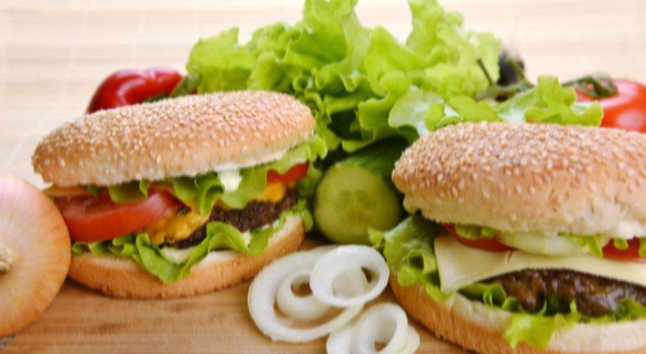 Как уменьшить количество калорий, несадясь надиету ипитаясь привычной едой