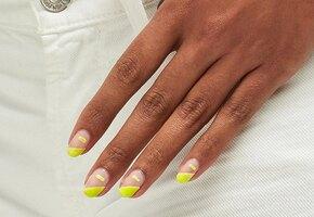 5 трендов маникюра на весну: оттенки ирисок, цветочки, лимонные узоры