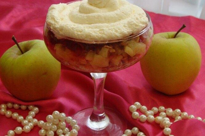 Десерт «Яблочный трайфл»
