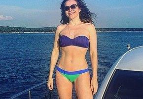 40-летняя Екатерина Гусева похвасталась стройной фигурой в бикини