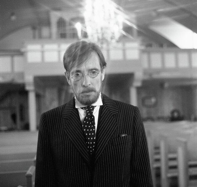 Артист Лембит Ульфсак в сцене из фильма «Враг респектабельного общества»