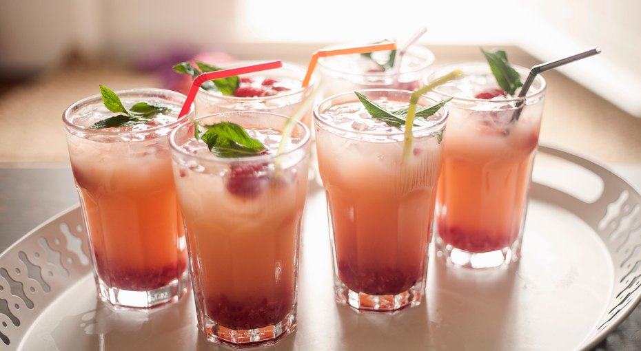 Топ-8 лучших напитков дляжаркого лета