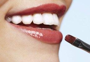 7 трюков макияжа для соблазнительных губ