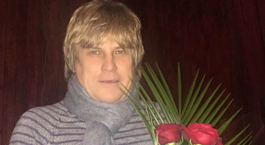 «Назад впрошлое»: Алексей Глызин опубликовал архивное фото сгруппой «Ура»