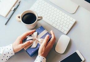 Не дорого и классно: 7 новогодних подарков коллегам