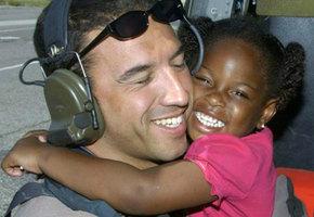 Ветеран разыскал девочку, которую спас 10 лет назад – чтобы поблагодарить ее