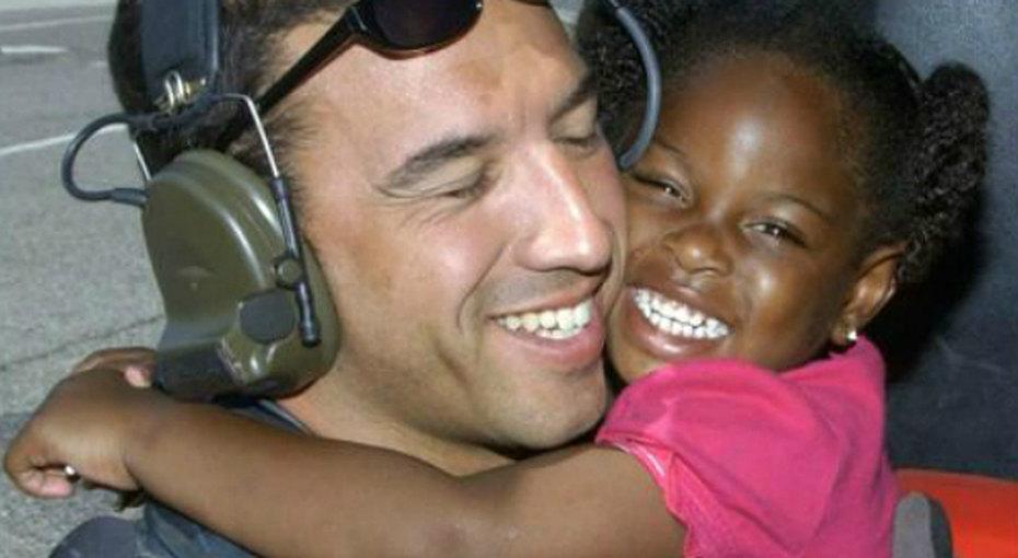 Ветеран разыскал девочку, которую спас 10 лет назад - чтобы поблагодарить ее