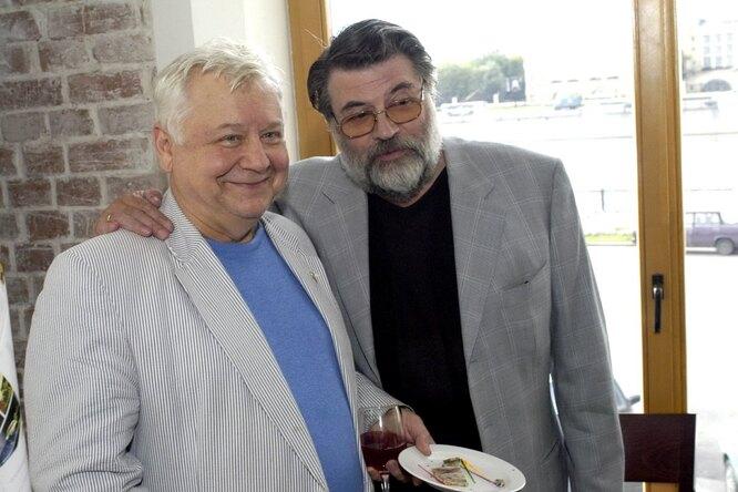 «Не кночи будет помянут»: сыновья Олега Табакова иАлександра Ширвиндта показали, счем едят макароны