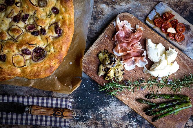 пирог и продукты