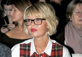 «Потрясающе похожа на маму»: Юлия Меньшова удивила подписчиков новым фото