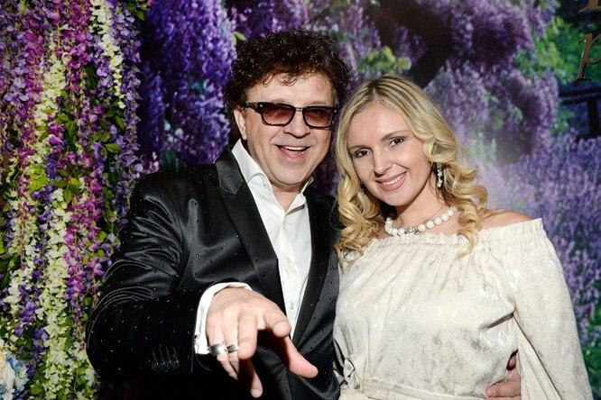 «Он меня унижает»: жена Ромы Жукова подралась сего возлюбленной во время телешоу