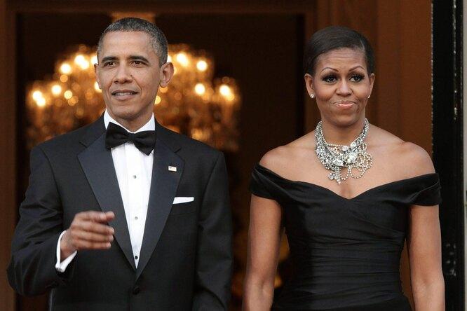 Два миллиона лайков: поклонники обсуждают свадебное фото Барака иМишель Обамы