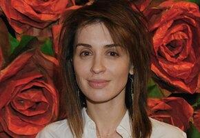 Ирина Муромцева показала простые эффективные упражнения для овала лица