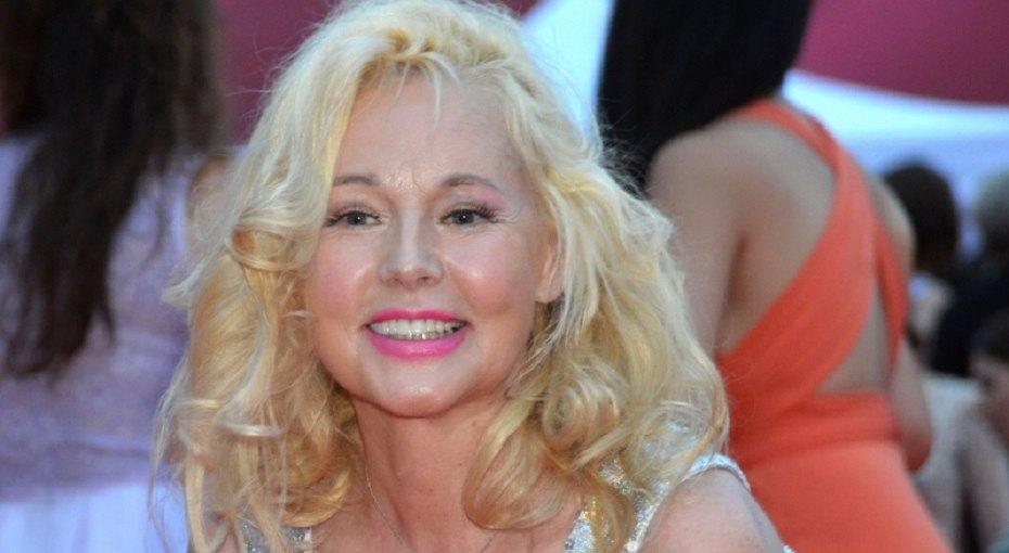 «Два секс-символа девяностых»: 61-летняя Елена Кондулайнен выложила фото с55-летней Натальей Негодой