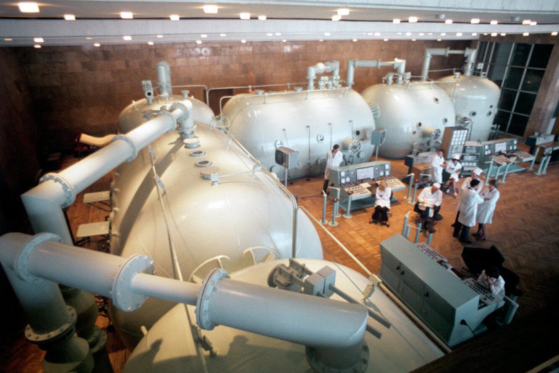 Центр гипербарической оксигенации. Основной зал с барокамерами