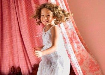Воспитание девочки в семье: как вырастить дочь счастливой