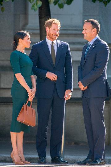 видео, королевский протокол, Великобритания, Елизавета II, королева, Меган Маркл, принц Гарри, герцогиня