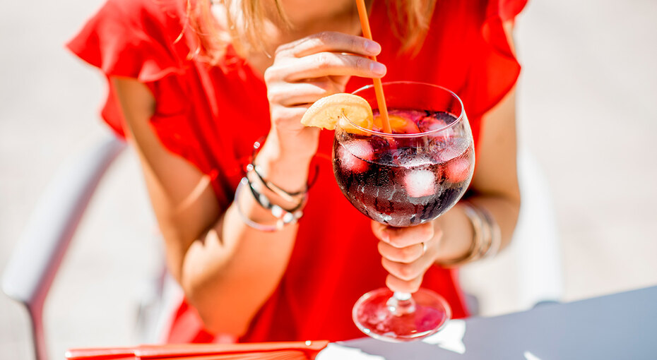 5 летних освежающих напитков: моктейль, сангрия, шорле илимонады
