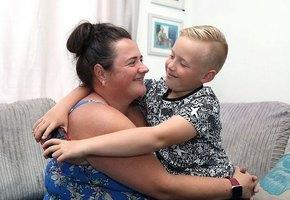 Восьмилетний мальчик спас матери жизнь, не растерявшись в экстремальной ситуации