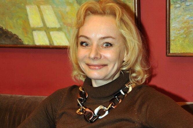 «Измены отца довели мою мать доалкоголизма»: как живет дочь Евгения Евстигнеева