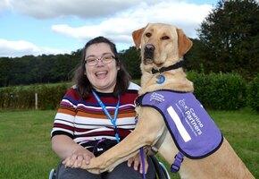 Терапия любовью: собака спасла девушку с инвалидностью от тяжелой депрессии