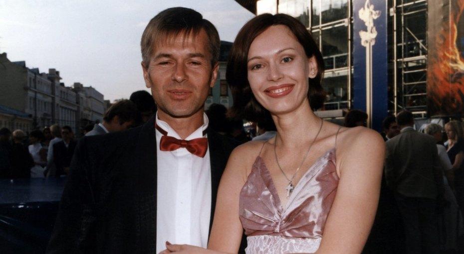 «Боль непритуплялась»: Игорь Ливанов откровенно рассказал оразводе сИриной Безруковой