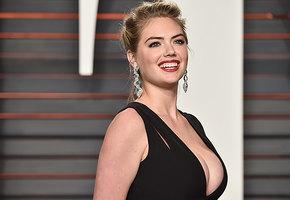 Маловато будет: какие платья подходят женщинам с большой грудью