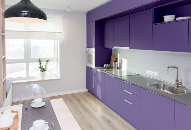 В тренде - яркие шкафы для кухни