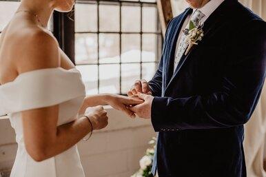 Монеточка идругие звезды переписали свадебные клятвы дляздоровых отношений