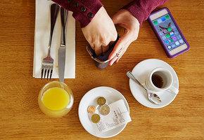 Не обижайте официанта. Правила чаевых в разных странах