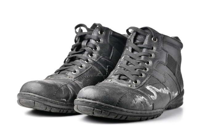 Как уберечь зимнюю обувь отреагентов