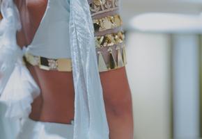 Индийская невеста на свадьбе появилась в нарисованной блузке