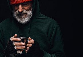 Рождественское чудо: парень нашел бездомного отца, которого не видел 11 лет