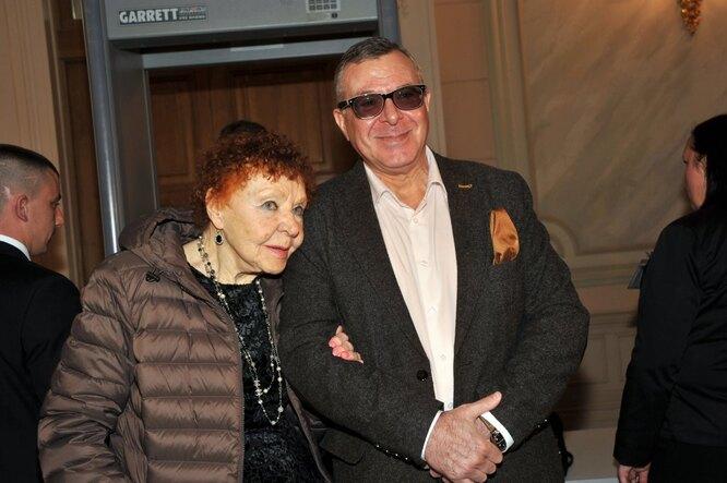 Нина Ургант с сыном Андреем