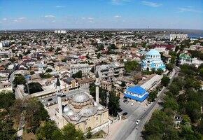 Малый Иерусалим, розовое озеро и лебеди: зачем стоит приехать в Евпаторию