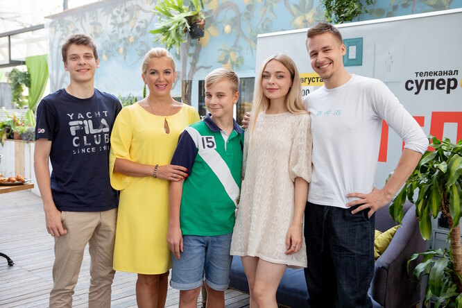 """Актеры сериала """"Родители"""" на премьере нового сезона"""