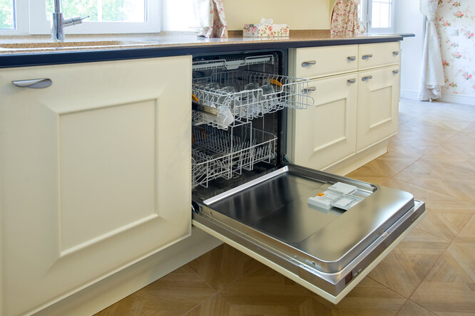 Как почистить посудомоечную машину безспециальных растворов