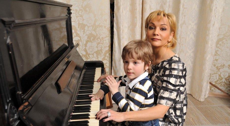 12-летний сын Татьяны Булановой сломал палец наноге (фото)