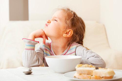 «Не хочу, небуду!». Что делать, если ребенок плохо ест?