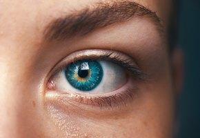 Уход за кожей вокруг глаз: все ли мы делаем правильно?