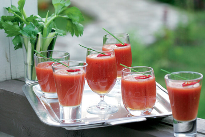 Ледяной томатный суп