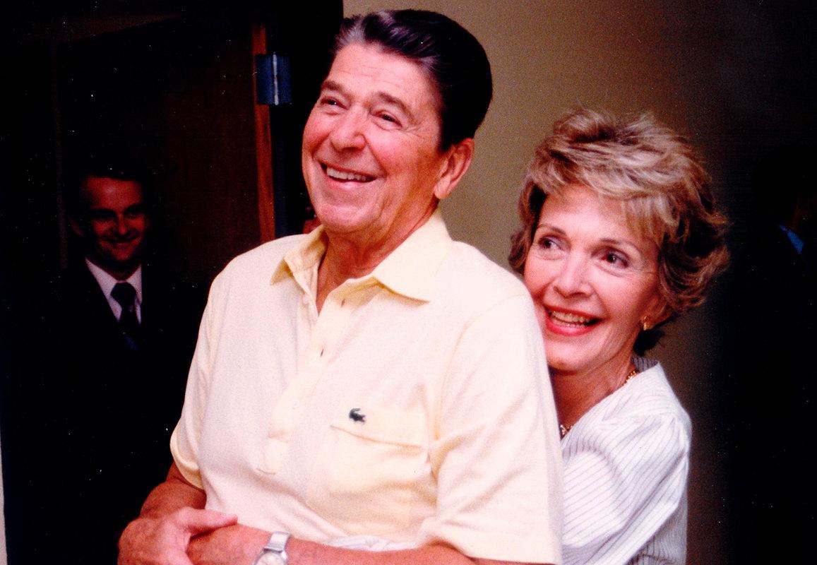 Нэнси и Рональд Рейган: история любви президента и первой леди