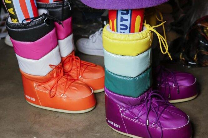 «Уродливые» ботинки, которые носят модницы: дутики, угги, луноходы идругие