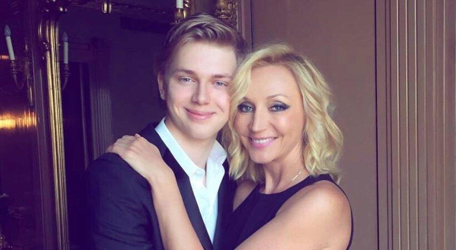 «С первым высшим!» Кристина Орбакайте поздравила сына сокончанием учебы вЛондоне