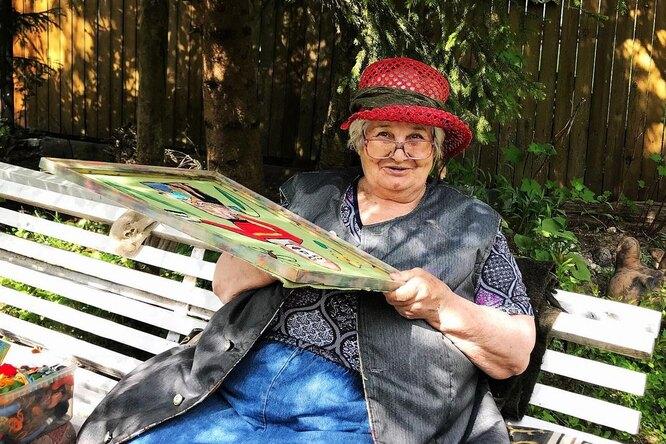 Пенсионерка борется сдеменцией спомощью вышивки. Ее работы впечатляют!