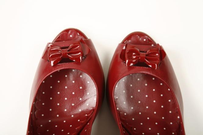 Разнашиваем новую обувь. 4 лайфхака отмозолей
