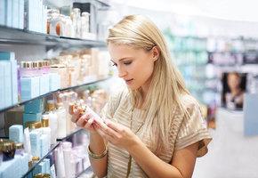17 способов сэкономить на косметике: скотч и йогурт вместо дорогих средств