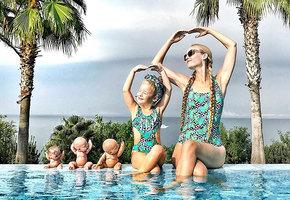 Одеться, как звезда! Мама и дочь воссоздают роскошные наряды знаменитостей